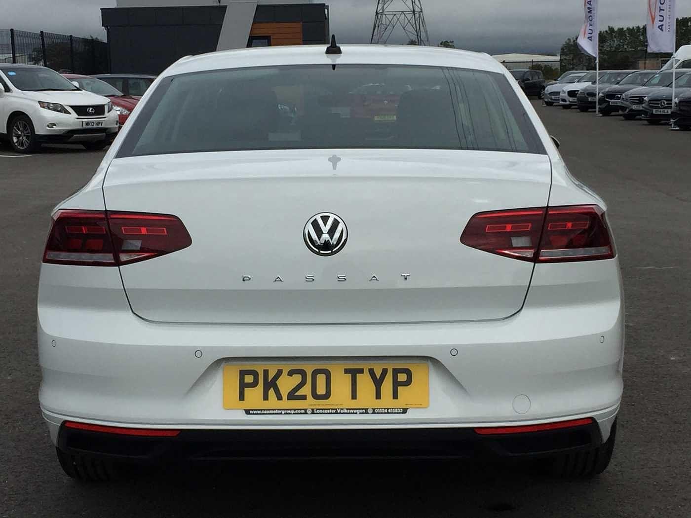 Volkswagen Passat Images