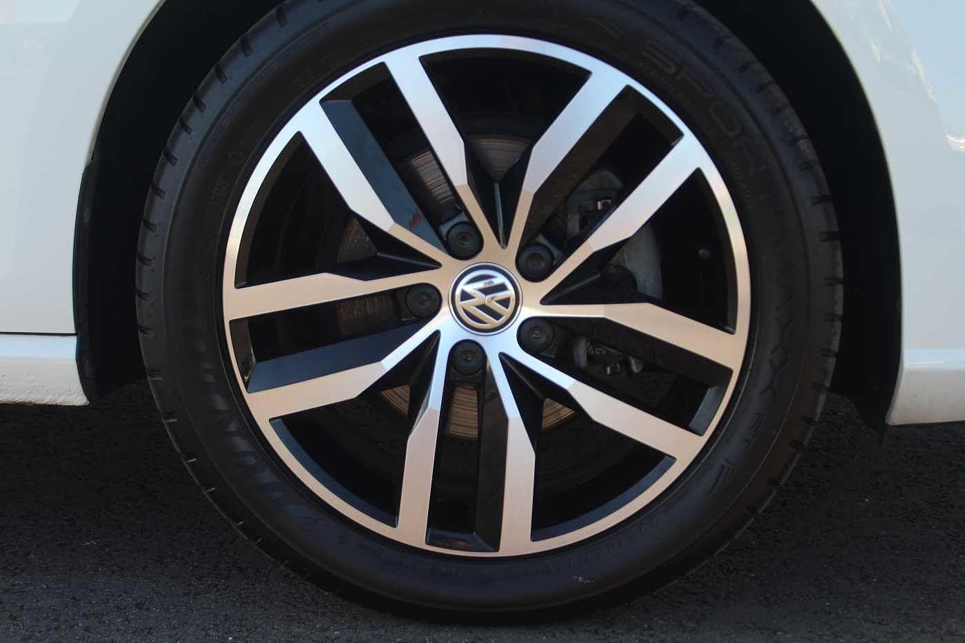 Volkswagen Golf MK7 Facelift 1.6TDI SE Nav 115PS 5dr