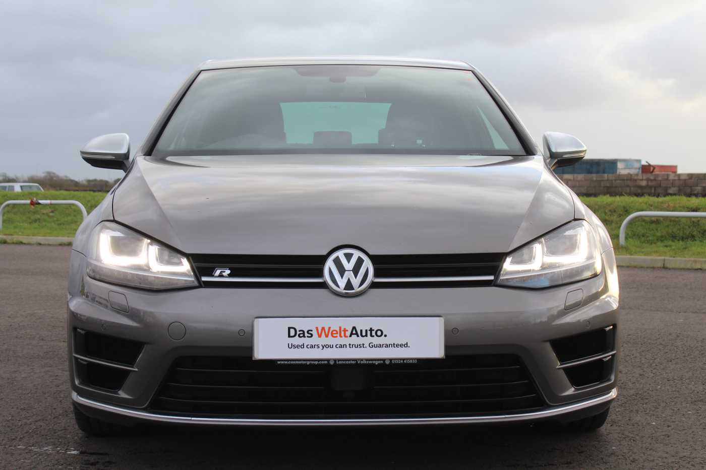 Volkswagen Golf 2.0 TSI R (300 PS) 3-Dr