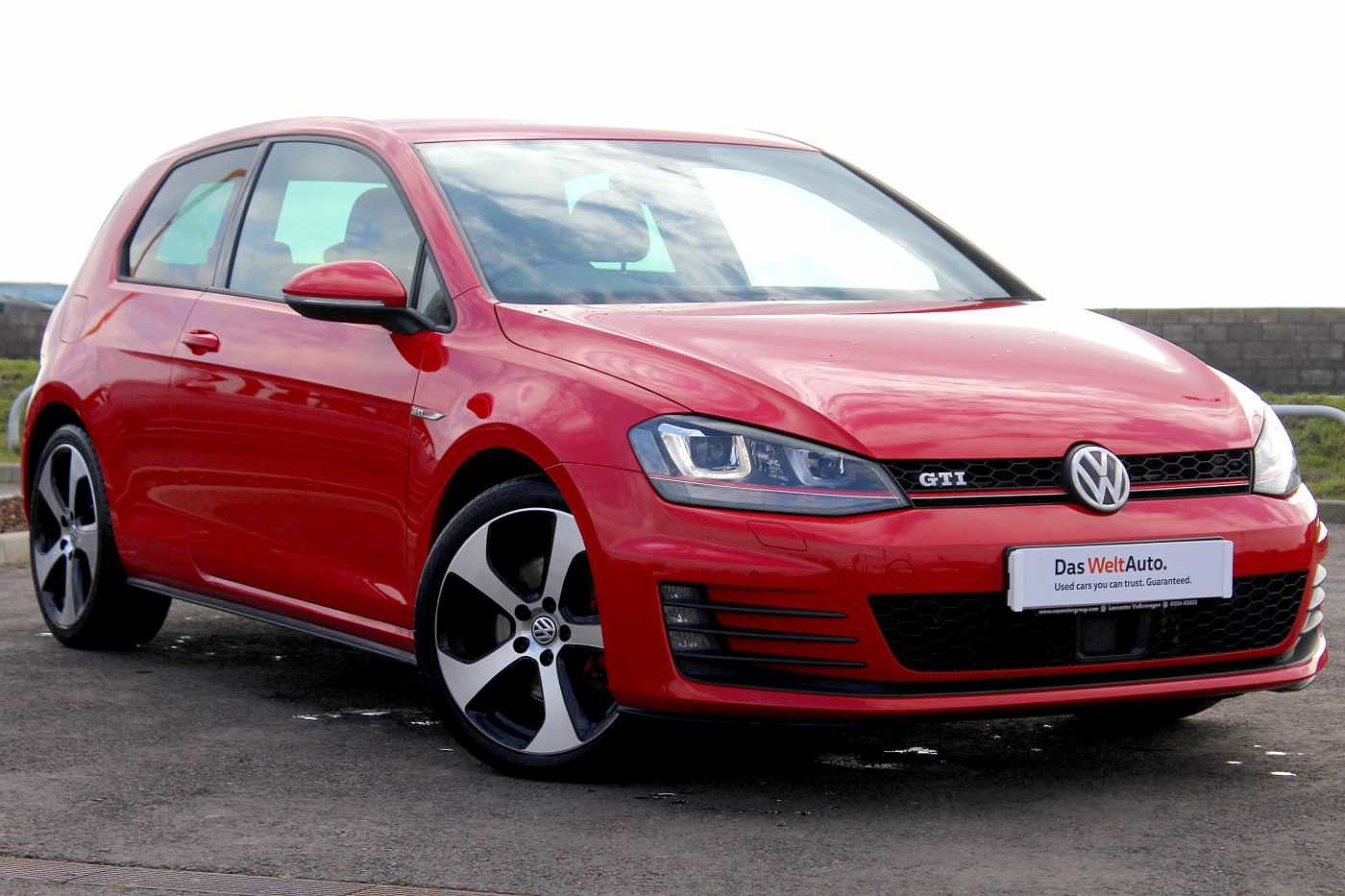 Volkswagen Golf 2.0 TSI GTI 220PS