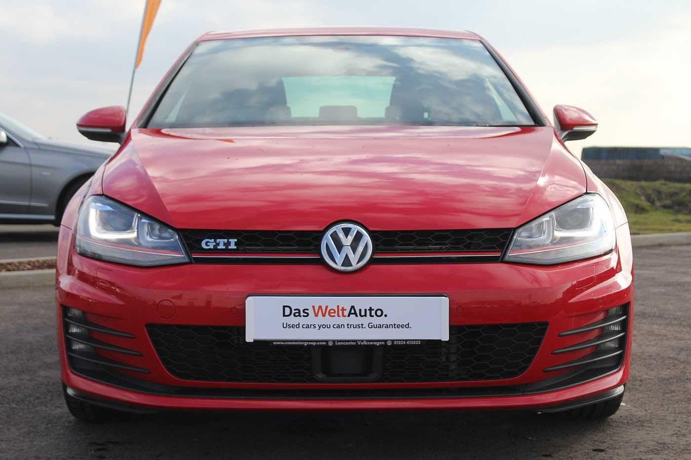 Volkswagen Golf 2.0 TSI GTI 220PS