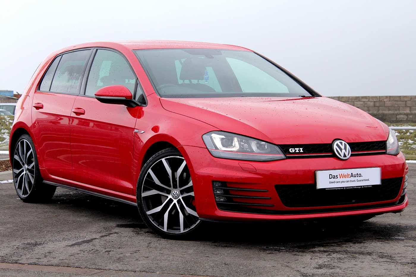 Volkswagen Golf 2.0 TSI GTI 220PS 5Dr