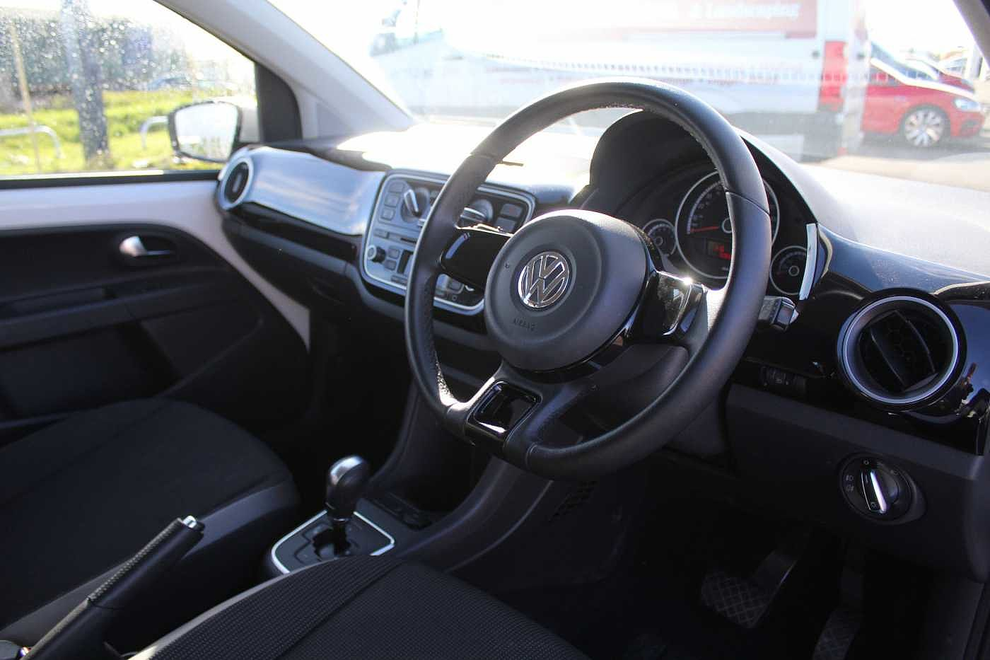 Volkswagen up! 1.0 75PS High ASG 5Dr