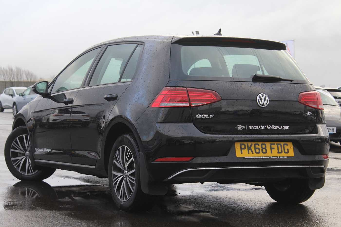 Volkswagen Golf Diesel Hatchback Images