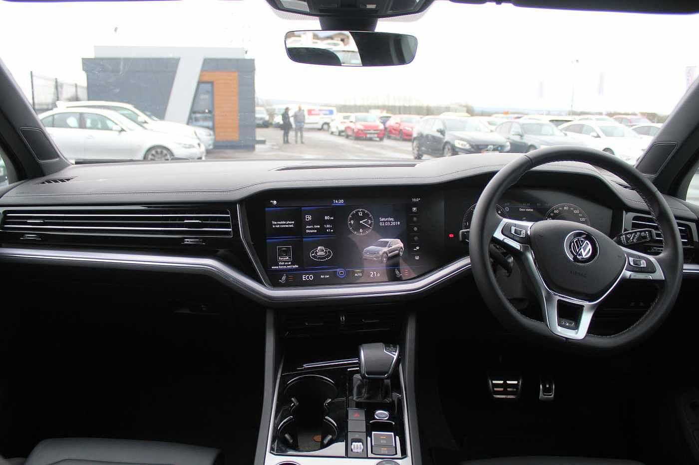 Volkswagen Touareg Images