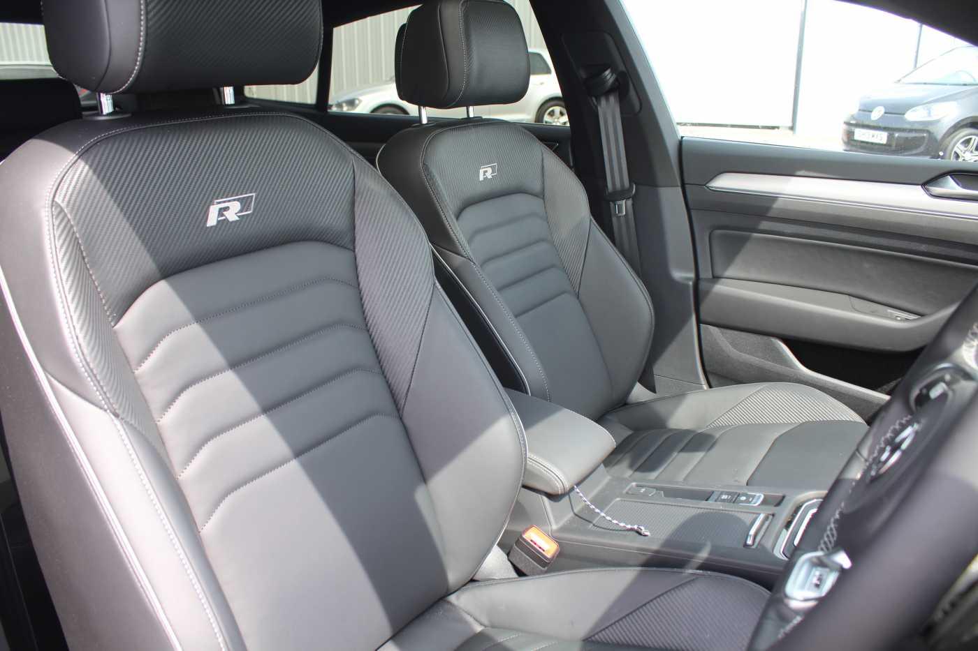 Volkswagen Arteon Images