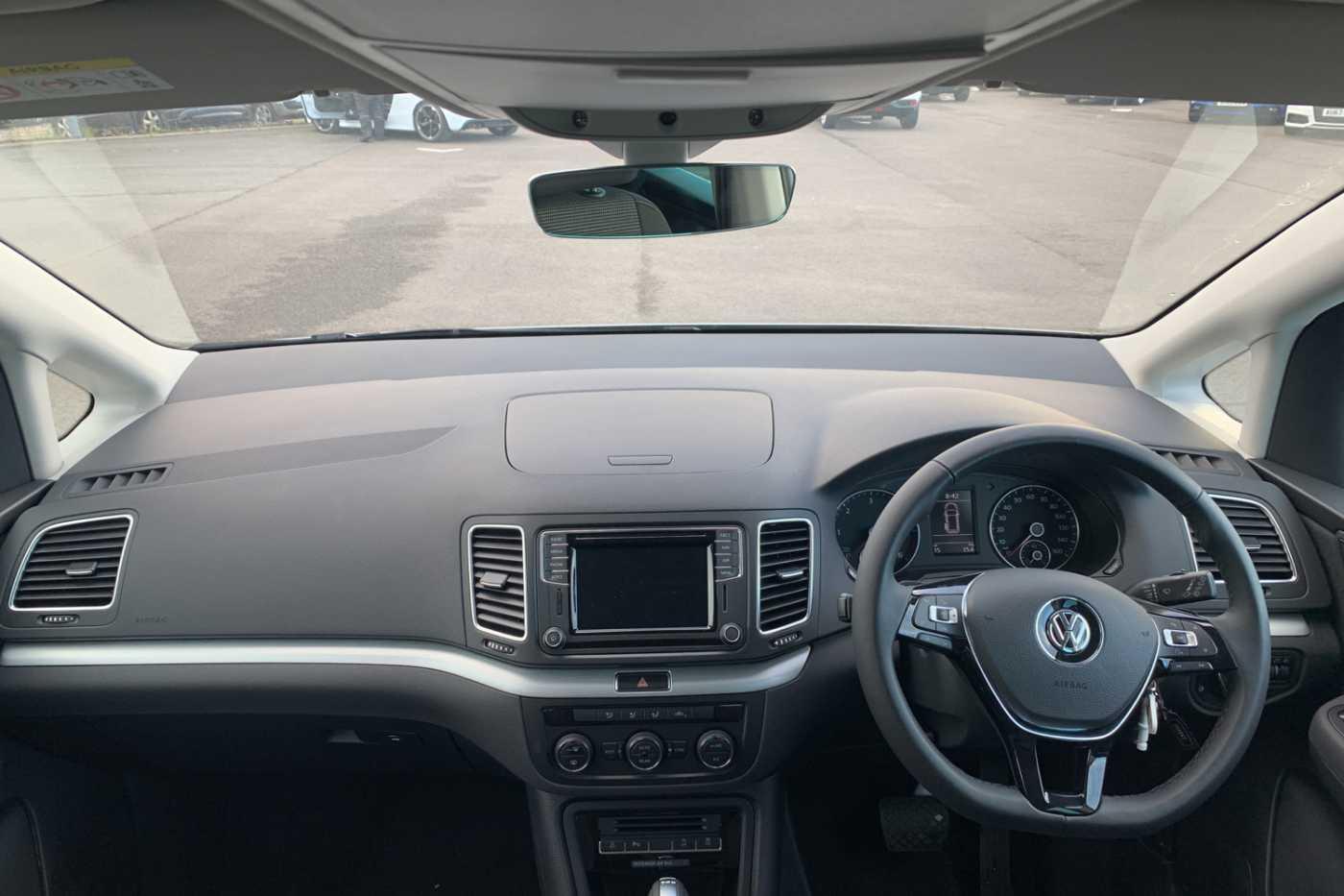 Volkswagen Sharan Images