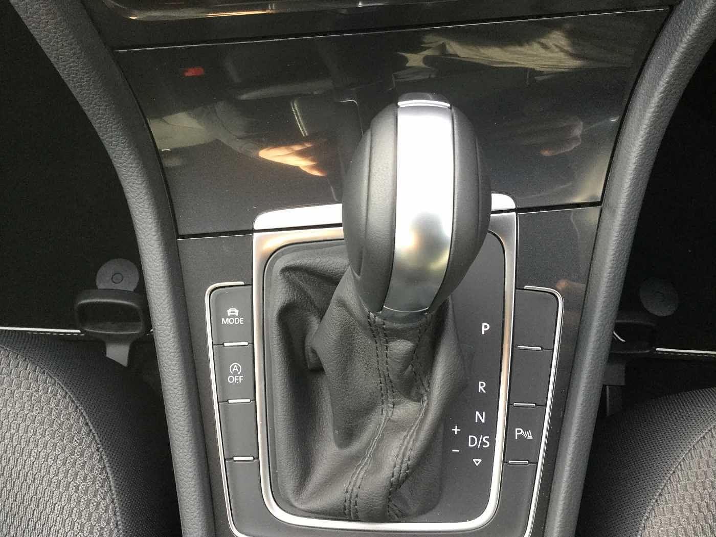 Golf Hatchback 1 6 TDI SE [Nav] 5dr DSG | Peter Cooper