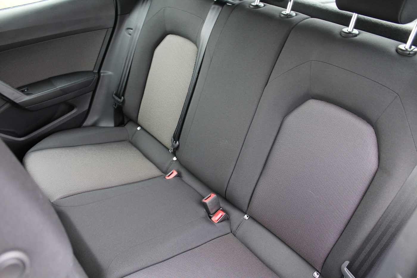 SEAT Arona Images